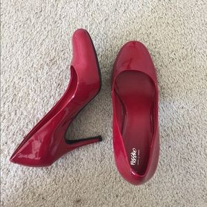Mossimo Red Heels Size 8.5 Pumps
